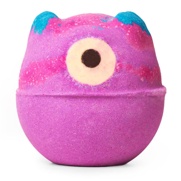 Trick Or Treat Yourself Lush Halloween Bath Bomb Review